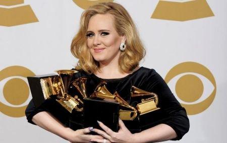 """Adele, """"stăpâna"""" premiilor Grammy. Vezi LISTA COMPLETĂ a câştigătorilor"""