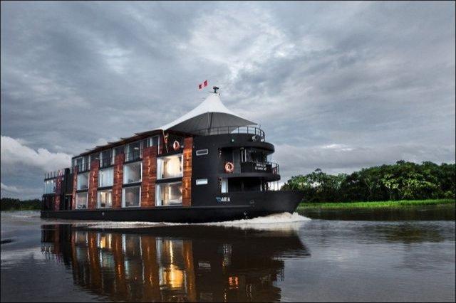 Cel mai luxos hotel plutitor de pe Amazon
