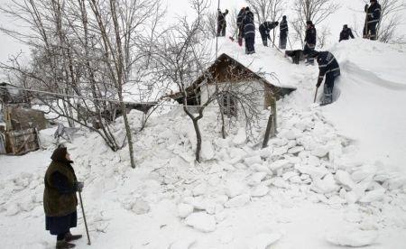 COD ROŞU de ninsoare în Serbia. Europa cedează sub puterea zăpezii şi a gerului