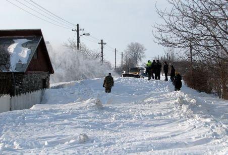 Crucea Roşie Română a trimis peste 12 tone de alimente în zonele afectate de ninsoare