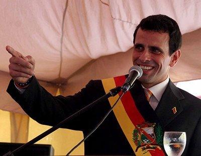 El l-ar putea detrona pe Hugo Chavez! Henrique Capriles promite să scoată Venezuela din criză