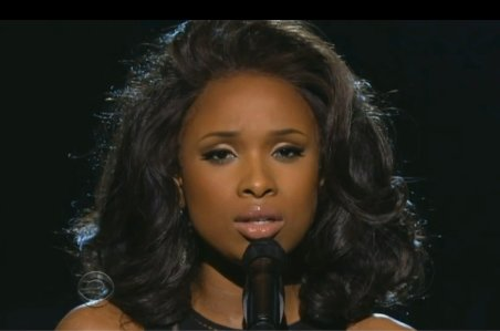 """I Will Always Love You"" pe scena Premiilor Grammy. Jennifer Hudson a adus un omagiu muzical regretatei Whitney Houston"