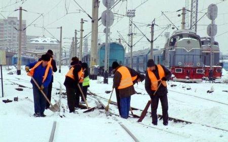 Ninsoarea blochează calea ferată. Vezi ce trenuri au fost anulate. Situaţia actualizată a traficului feroviar
