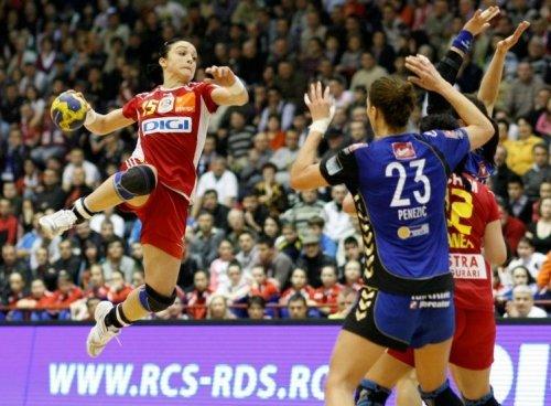Oltchim a învins la scor pe Metz şi este lider în grupa principală 2 a Ligii Campionilor
