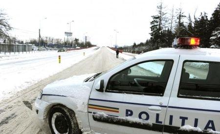 Ninsoarea s-a oprit, dar drumurile rămân ÎNCHISE. Vezi lista completă a drumurilor cu probleme şi recomandările poliţiştilor