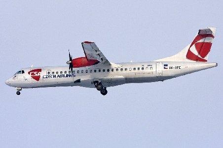 Pilotul unui avion a murit în timpul zborului, pe ruta Varşovia - Praga