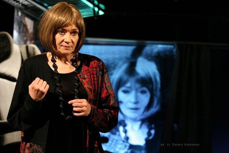 """""""Voi fi pe scenă indiferent de ce se va întâmpla"""". Catrinel Dumitrescu, prima reprezentaţie de când Milu a murit"""