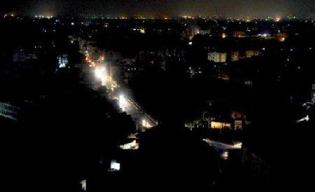 Altă pană de curent în Bucureşti. Mai multe cartiere, pe întuneric. Lumina revine în jurul orei 23.20