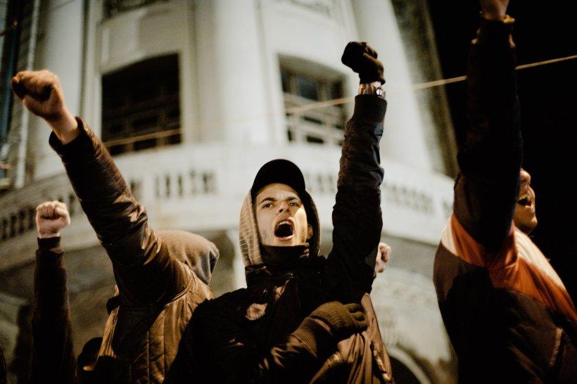 Argeş. Protestele împotriva lui Băsescu continuă, la Piteşti