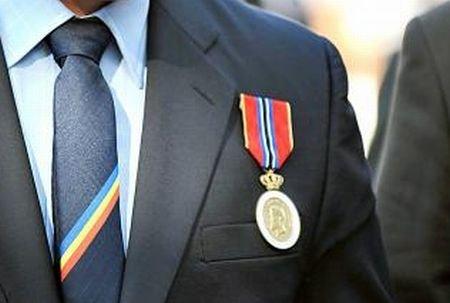 Peste UN MILION DE EURO pentru medalii şi decoraţii. Atât va cheltui Administraţia Prezidenţială