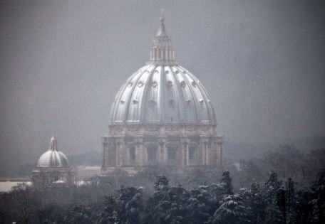 Premieră: Vaticanul trebuie să plătească taxe pe proprietăţile fără caracter religios