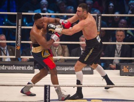 Vitali Klitschko îşi păstrează titlul WBC la categoria grea, după meciul cu Derek Chisora
