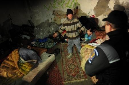 Primăria Brăila are grijă de oamenii fără adăpost: 50 de persoane sunt găzduite în două centre încălzite