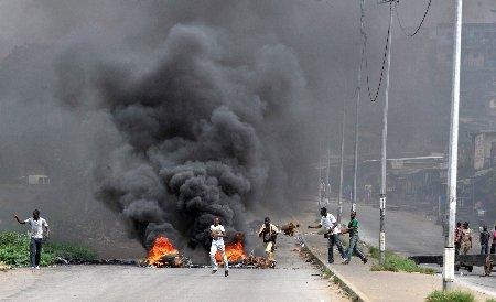 Confruntări sângeroase în sud-estul Libiei: Cel puţin 113 de morţi în zece zile