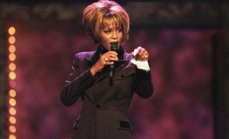 """Mai multe obiecte pe care Whitney Houston le-a purtat în filmul """"The Bodyguard"""", scoase la licitaţie"""