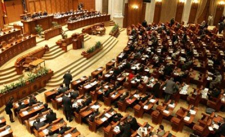 Scandal în plenul Camerei: Vociferări şi ceartă între un deputat al PDL şi unul al PSD