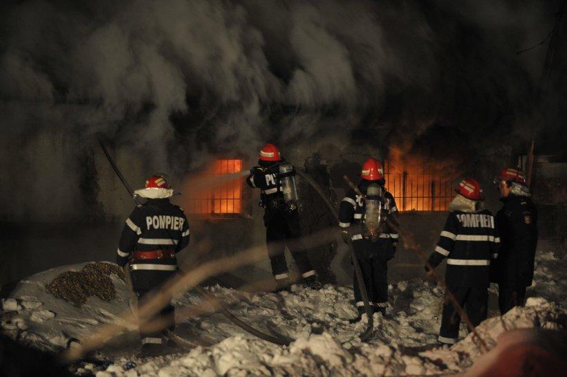 Un bucureştean a suferit arsuri grave într-un incendiu produs la liceul Mircea Eliade
