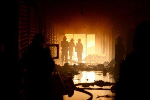 """""""Aduceţi repede o ambulanţă, că moare!"""" Incendiu puternic la spitalul de psihiatrie din Argeş. Pacienţii, evacuaţi"""