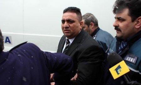 Bercea Mondial şi fiul său, condamnaţi la 7 ani şi 6 luni de închisoare. Soţia a primit şi ea 3 luni cu suspendare
