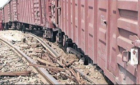 Ploieşti: Hoţi prinşi la furat componente ale unor vagoane aparţinând CFR Marfă