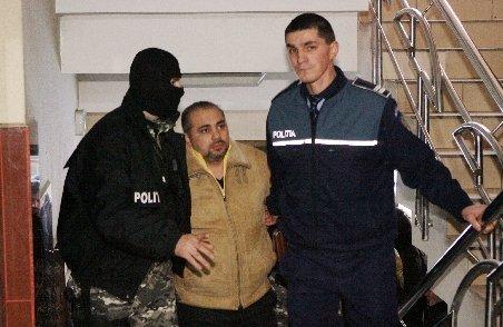 """""""Prinţul Ţiganilor"""" din Iaşi, Cosmos Tănase, a fost arestat preventiv. Este acuzat de trafic de droguri de mare risc"""