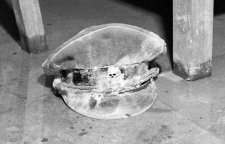 Sfârşitul unui DICTATOR, în imagini. Fotografii ISTORICE cu buncărul lui Hitler