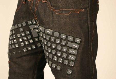 Atenţie, internauţi! S-au inventat blugii cu tastatură, mouse şi boxe