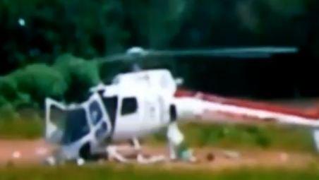 IMAGINI DRAMATICE. Un elicopter brazilian se DEZMEMBREAZĂ în timpul manevrelor de aterizare