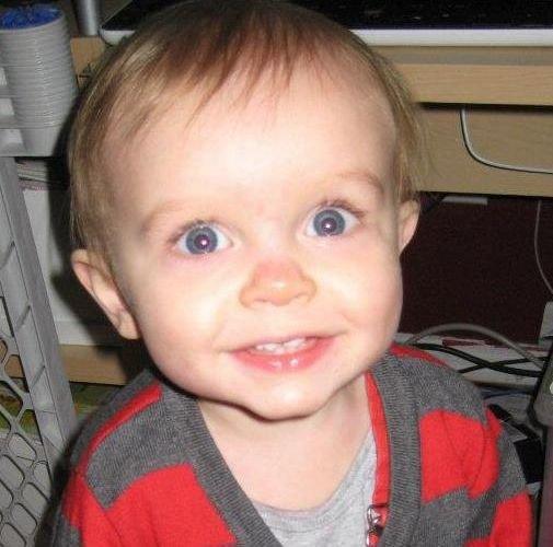 Imaginile pe care le vei arăta tuturor prietenilor. Toată lumea va râde de ce face acest bebeluş!