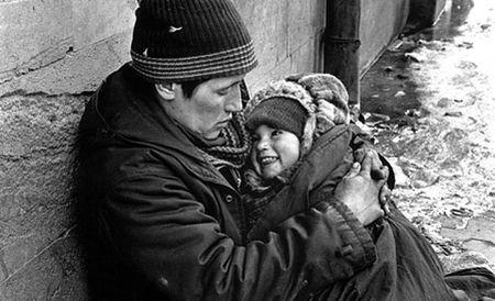 Norvegia, INVADATĂ de cerşetorii ROMÂNI de etnie romă. Autorităţile vor să evacueze zonele ocupate de romi