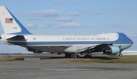 O oră de zbor cu avionul prezidenţial american Air Force One costă aproape 180.000 dolari