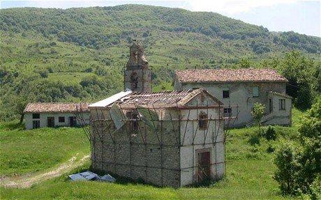 Autorităţile franceze au scos la vânzare un sat din centrul ţării. Vezi aici pentru ce preţ
