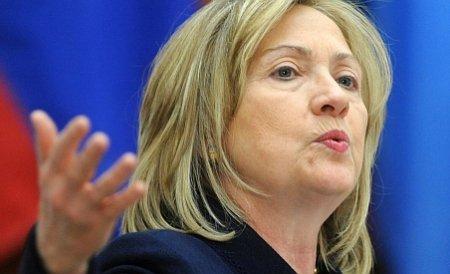 Hillary Clinton face apel la încetarea violenţelor din Afganistan, după arderea unor exemplare din Coran