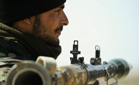Un agent al Ministerului afgan de Interne este principalul suspect în cazul uciderii a doi consilieri NATO
