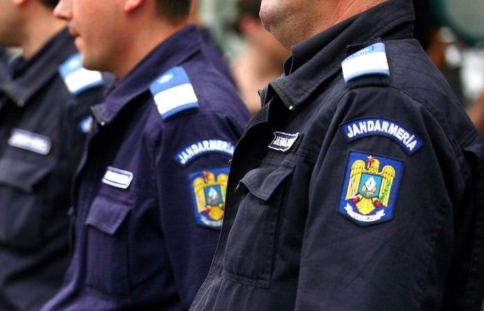 """Caz şocant, la Craiova. Un JANDARM a lovit cu pumnii şi picioarele o copilă de 11 ani. """"Eu sunt LEGEA!"""""""