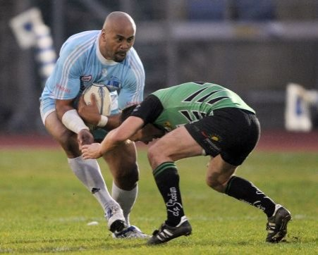 Legendarul jucător de rugby Jonah Lomu este spitalizat la Auckland. Are nevoie de un nou rinichi