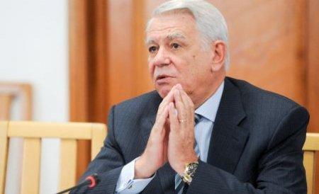 Teodor Meleşcanu, validat de plenul Parlamentului, ca şef al SIE. Senatorul a depus jurământul