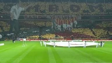 Fanii lui Galatasaray au realizat o coregrafie 3D în onoarea lui Fatih Terim