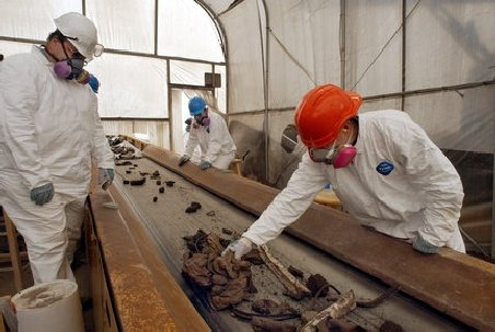 Strigător la cer: Rămăşiţele umane de la atentatele din 11 septembrie, incinerate şi aruncate la gunoi de autorităţile americane