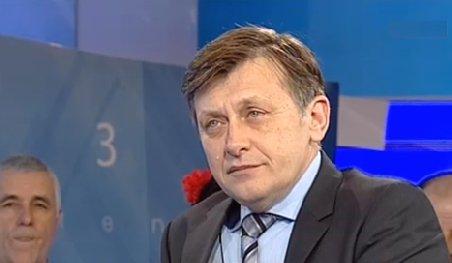 Crin Antonescu (USL): Aşteptăm o invitaţie oficială la dialog din partea prim-ministrului Ungureanu