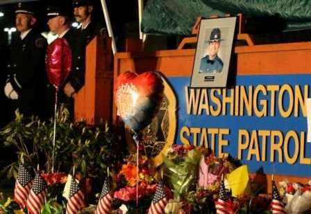 Ofiţerul Tony Rădulescu, căzut la datorie în SUA, comemorat ca un adevărat erou de comunitatea americană