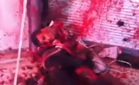 Imagini şocante. Victime ale revoluţiei din Siria, decapitate cu sânge rece
