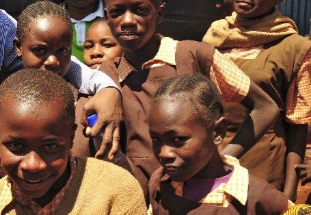 Lecţie de viaţă. O femeie săracă din Kenya a adoptat 49 de copii orfani