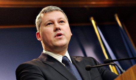 """Ministrul Justiţiei, Cătălin Predoiu, în mijlocul protestatarilor de la Iaşi: """"Nu demisia mea este soluţia"""""""