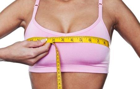 Una din trei femei şi-ar reduce IQ-ul pentru sâni mai mari
