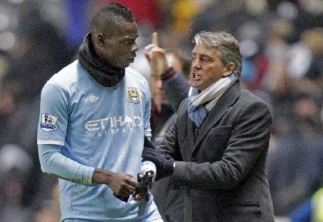 Balotelli, amendat cu 250.000 de lire sterline. Vezi de ce l-a sfătuit Mancini să se însoare