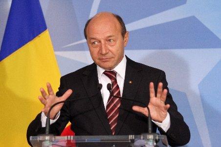 Băsescu vizitează, luni, nava de foraj maritim a ExxonMobil: Am înţeles că e ca în Star Trek