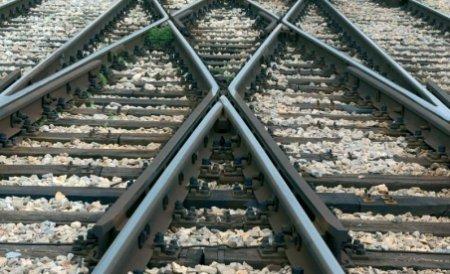 CFR închiriază liniile de cale ferată, la pachet cu angajaţii: Va organiza o licitaţie la Bursa de Mărfuri