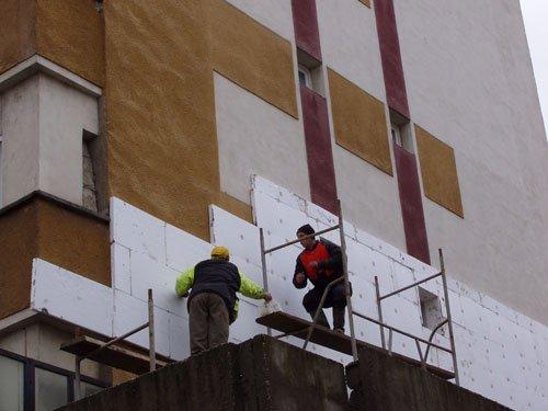 La Braşov, izolarea termică a blocurilor vine la pachet cu adeziunea la PDL