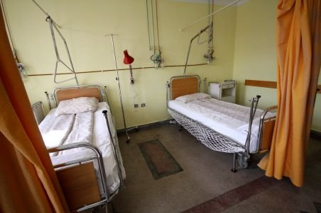 O primărie din Gorj a cheltuit 40.000 de lei pentru încălzirea unui spital închis de Guvernul Boc